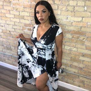 Long short sleeve maxie dress black and white